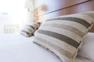 枕なしで寝ることの5つのメリット